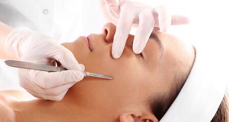 Dermaplaning gezichtsbehandeling